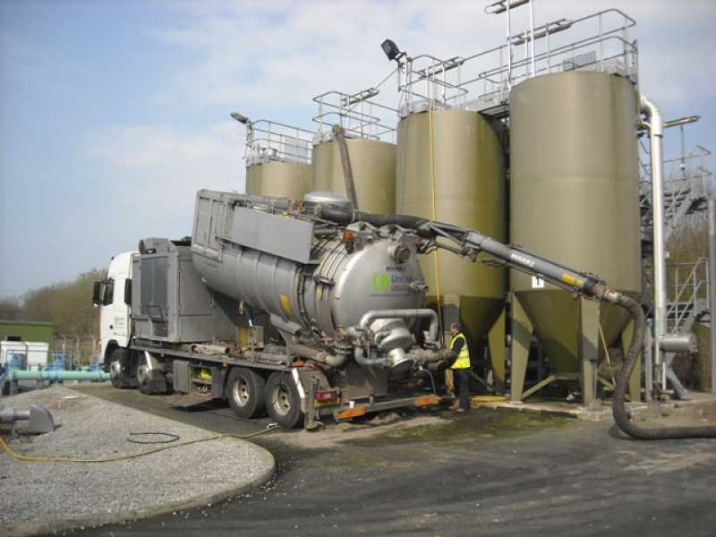 stainless-steel-waste-trucks-removal
